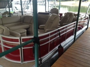 Bennington Triton Used Pontoon boat for sale
