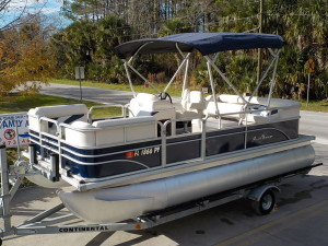 Sunchaser 818 used pontoon boat