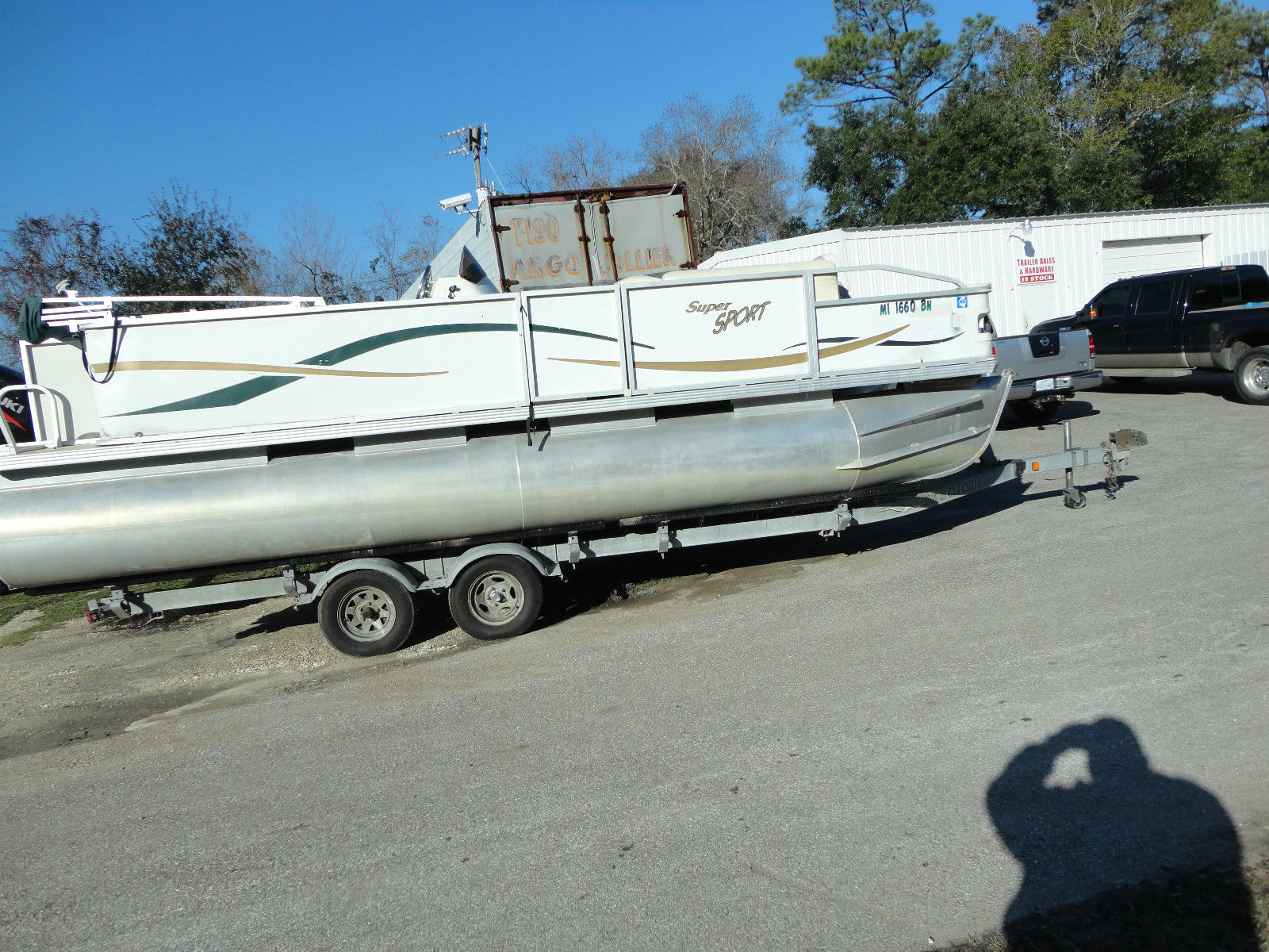 Pontoon boats for sale for Used sport fishing boats for sale